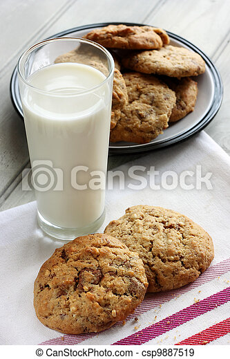 Homemade chocolate and nut cookies - csp9887519