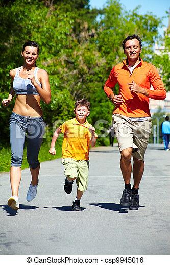 Healthy runners - csp9945016