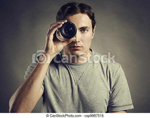 el hombre lente: