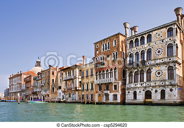 Gran canal en Venecia, Italia - csp5294620