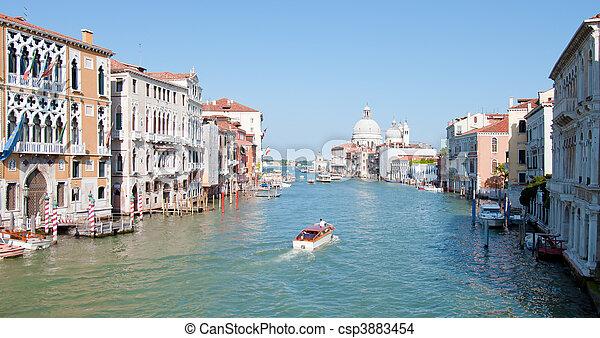 Gran canal de Venecia, Italia - csp3883454