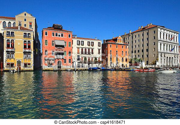 Cityscape, el gran canal en Venice - csp41618471