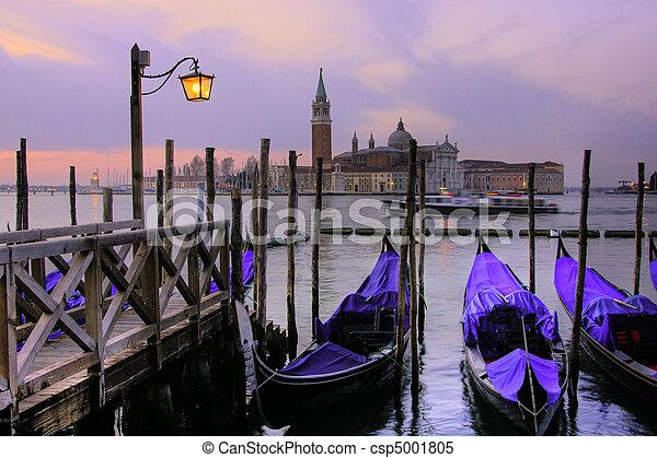 Venice del gran canal al atardecer. - csp5001805