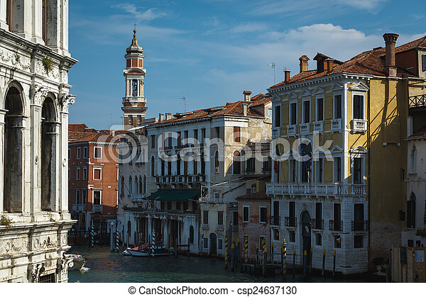 El gran canal en Venecia - csp24637130