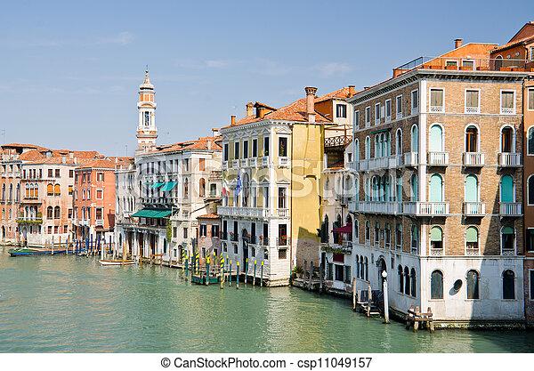 Gran canal en Venecia - csp11049157