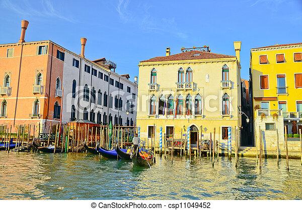 Gran canal en Venecia - csp11049452
