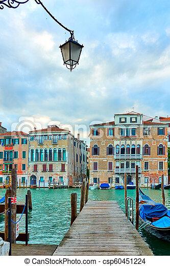 Gran canal en Venecia - csp60451224