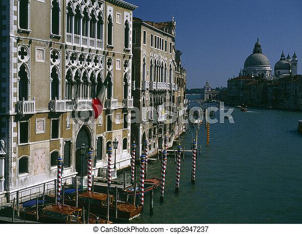 Gran canal en Venecia - csp2947237