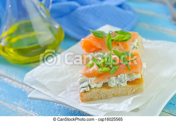 canape with salmon - csp16025565