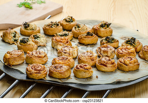 Canap?s puff pastry - csp23123821