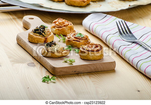 Canap?s puff pastry - csp23123922