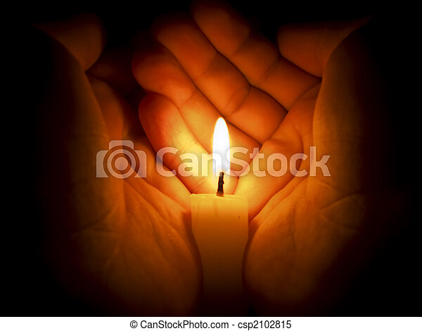 Candle between two hands - csp2102815