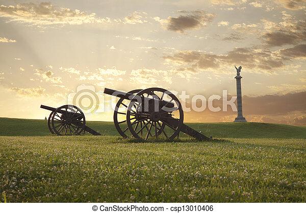 Cannons at Antietam (Sharpsburg) Battlefield in Maryland - csp13010406
