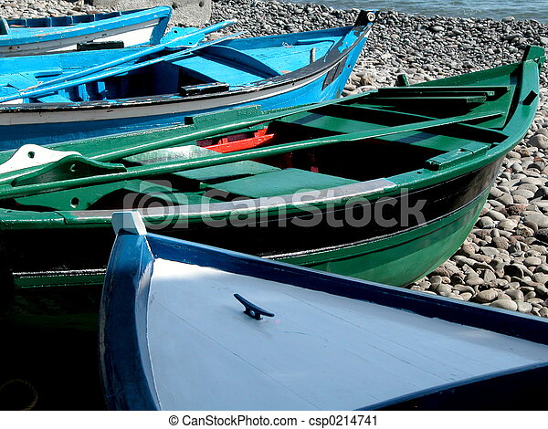 canoe in the be - csp0214741