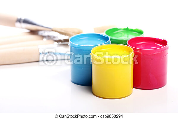 Cans with colorful paint - csp9850294