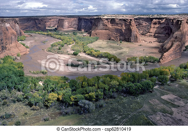 Canyon de Chelly - csp62810419