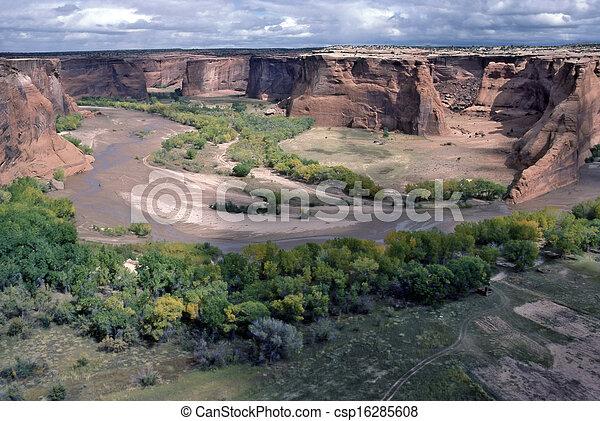 Canyon de Chelly - csp16285608