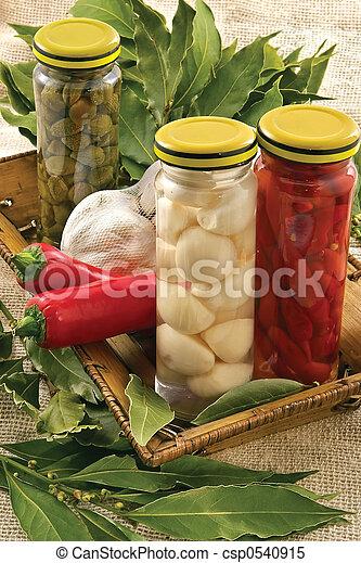 Capers,garlic, bay leaf, hot pepper - csp0540915
