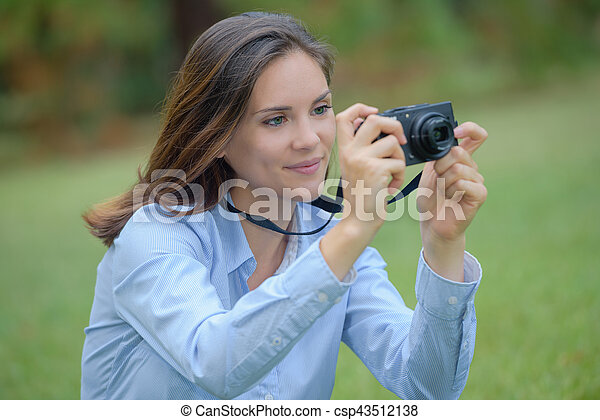 capturing the moment - csp43512138
