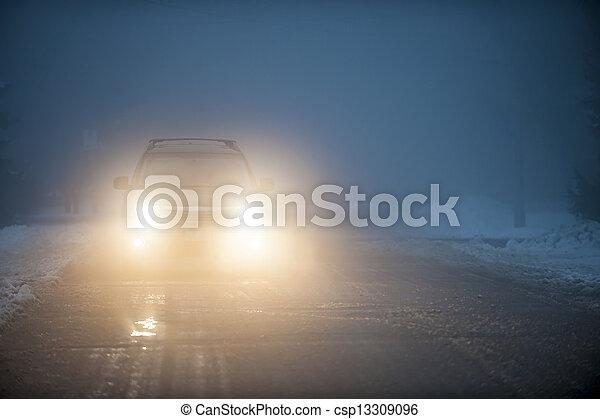 car, nevoeiro, dirigindo, faróis - csp13309096