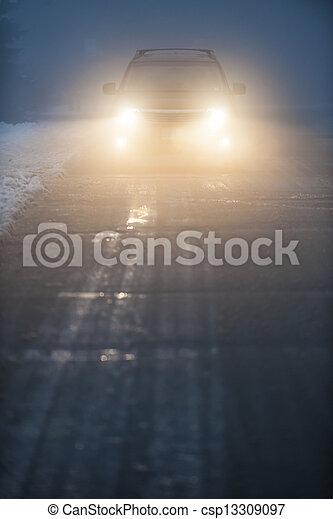 car, nevoeiro, dirigindo, faróis - csp13309097