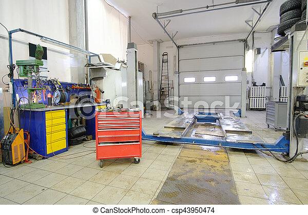 car repair station - csp43950474