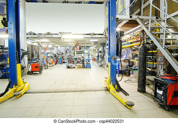 car repair station - csp44022531