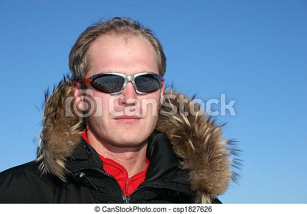 Cara de invierno - csp1827626
