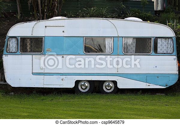caravane, vieux - csp9645879