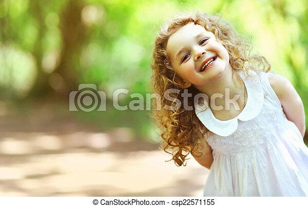 carino, felicità, riccio, splendere, charmant, capelli, ragazza bambino, sorriso - csp22571155