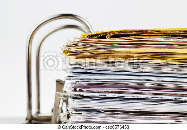 Archivo con documentos y documentos - csp6576453