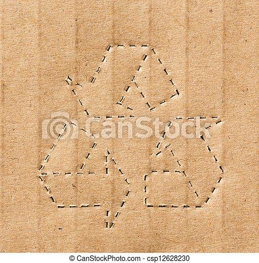 Simbolo reciclado en el fondo del cartón - csp12628230
