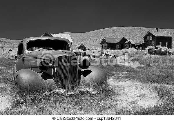 Carwreck in Bodie, B W - csp13642841