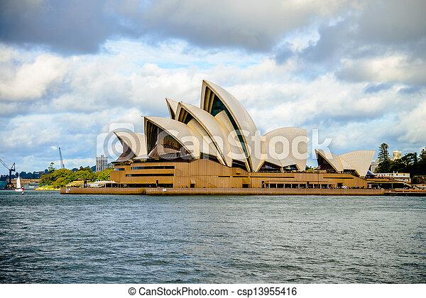 Opera House en Sydney Australia - csp13955416