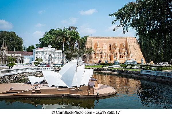 Sydney Opera House - csp19258517