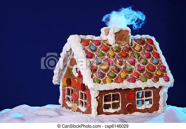 Casa de jengibre - csp6146029