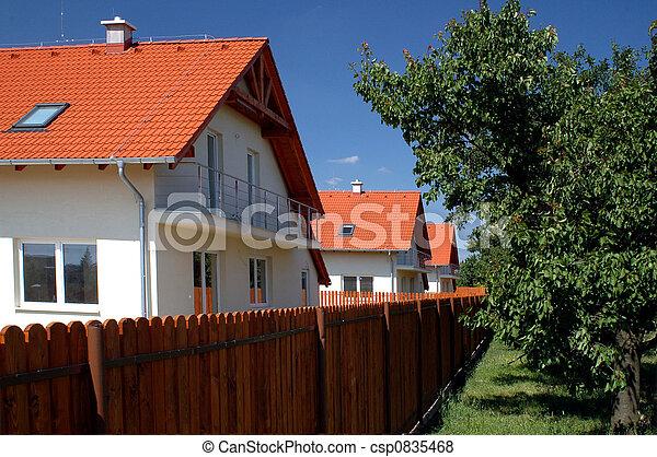 Casa de familia - csp0835468