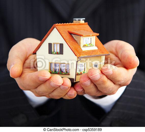 casa, homem negócios, mão - csp5359189