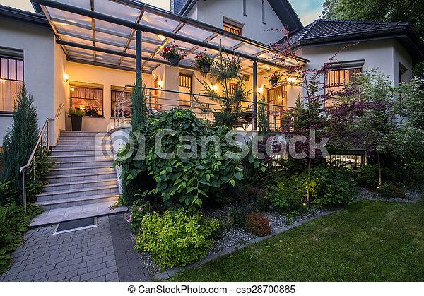 Casa De Lujo Con Veranda Casa De Lujo Con Terraza Y Jardín