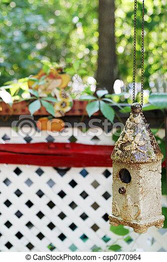 Casa de aves - csp0770964