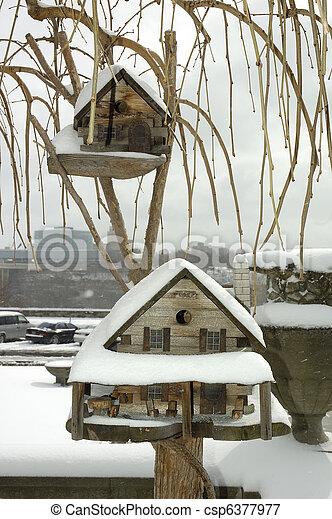 Casa de aves - csp6377977