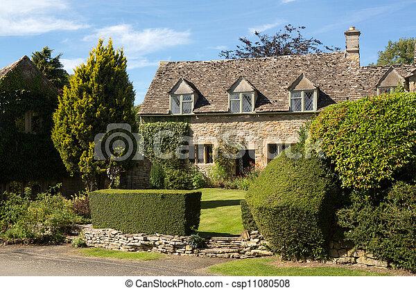 La vieja casa de piedra de Cotswold en Icomb - csp11080508