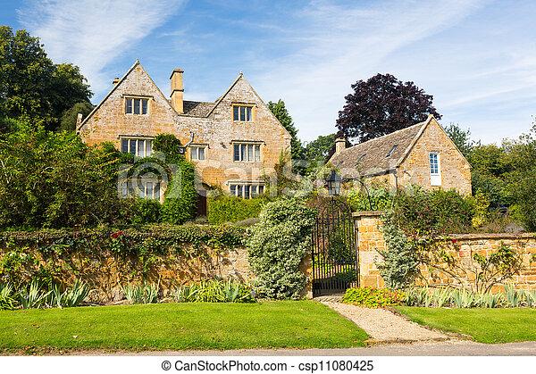 La vieja casa de piedra de Cotswold en Ilmington - csp11080425
