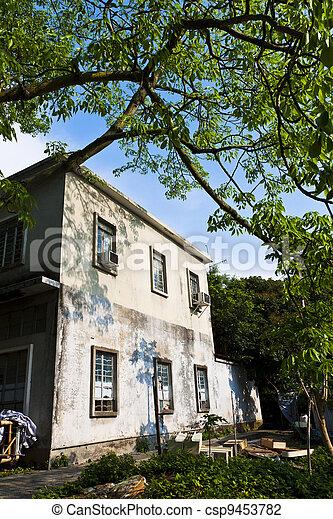 casa, viejo, abandonado, aldea - csp9453782