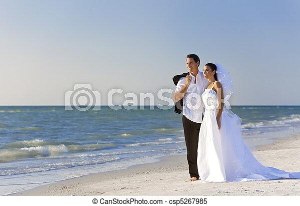 casado, &, par, noivo, noiva, casório, praia - csp5267985