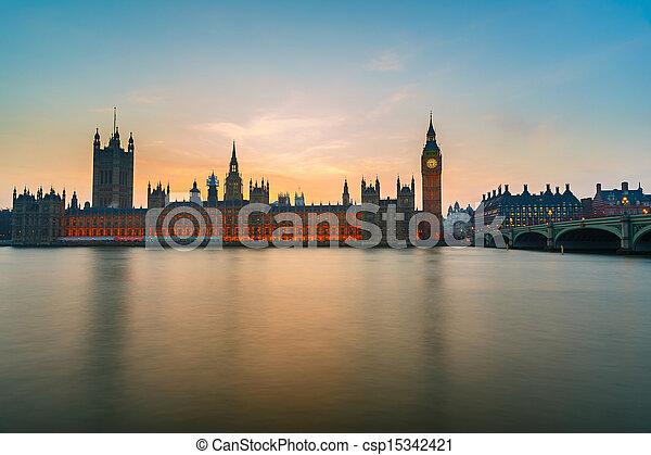 Casas del Parlamento por la noche, Londres - csp15342421
