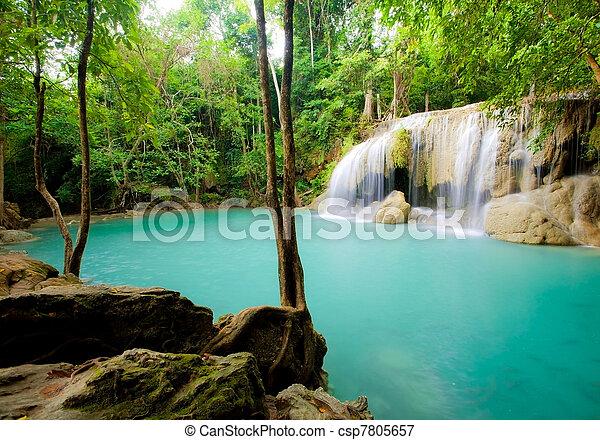 Una cascada Eravan - csp7805657