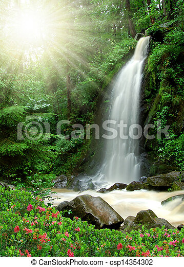 Hermosa cascada - csp14354302
