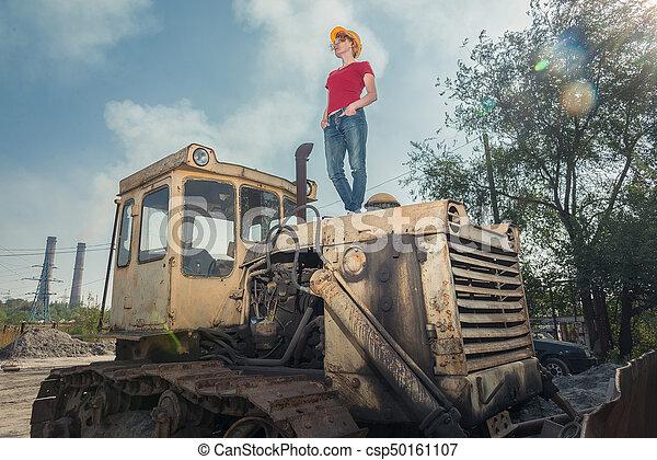 casque, engineer., femme, reposer, construction, tracteur - csp50161107