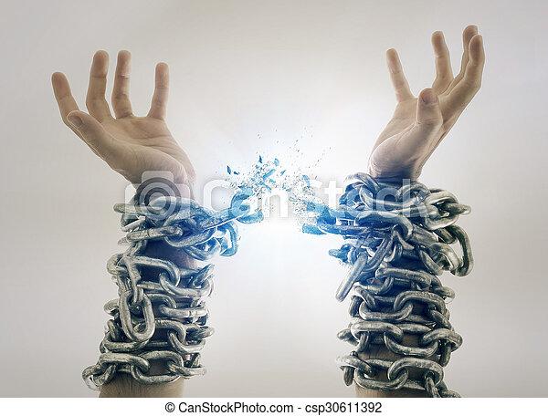 cassé, chaînes - csp30611392